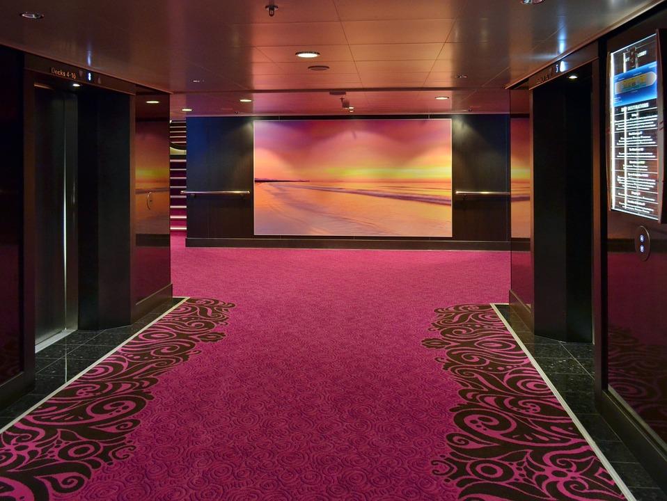 良いオフィス環境の秘密は床にあり!積極的に床をデザインしよう!
