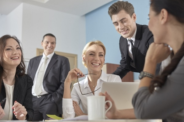 ワールドカフェがオフィスにもたらす嬉しい効果とは?
