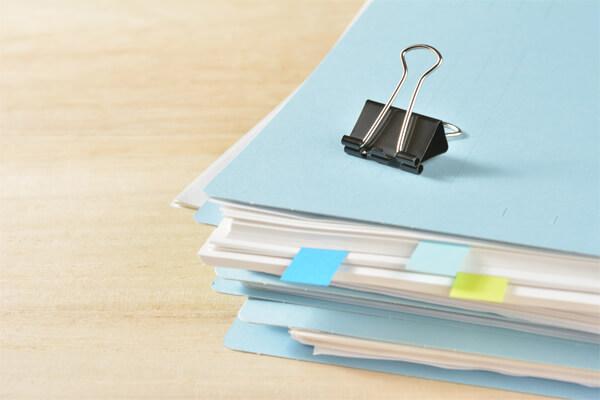 オフィスで実践したい!デスク周りがスッキリする書類整理のコツ